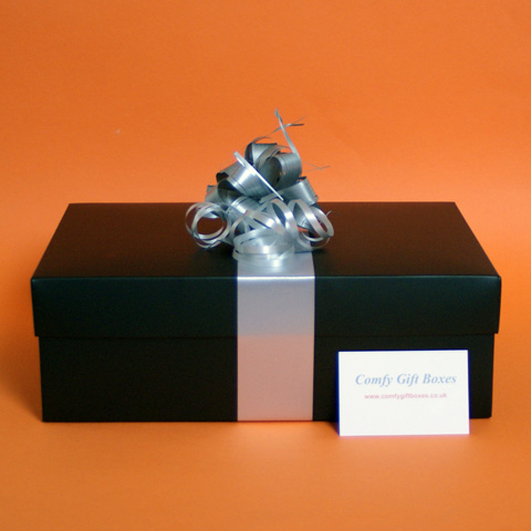 Wrapped gifts for men UK, sporty gifts for boys, fitness presents for him