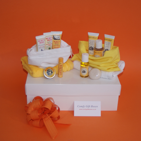 Burt's Bees new mum and baby gifts, gift sets for new mums, new baby gifts, Burt's Bees gifts for new babies, gift ideas for new mums