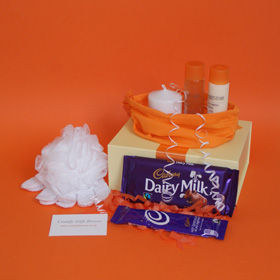 Cadbury chocolate pamper gifts, bath and candle pamper gifts for her, bath gifts online UK