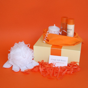 Small pamper gifts, candle and bath pamper gifts for her, bath pampering presents