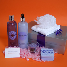Lavender pamper gifts for her, lavender gifts for girlfriends, relaxing lavender bath, pamper gifts UK, body pamper gifts delivered