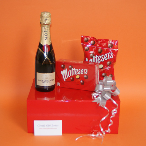 Maltesers chocolate gifts UK, Maltesers® and Moet Champagne chocolate gift box, champagne gifts for women, Moet champagne and Malteser gifts UK, chocolate gifts UK delivery