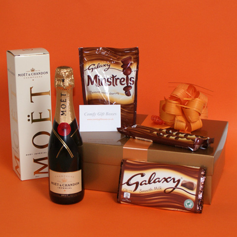 Chocolate gifts UK, pamper champagne gifts, Galaxy chocolate gift ideas, champagne pamper gifts for women, Moet Chandon champagne and chocolates gifts UK