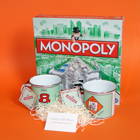 Monopoly game house warming gifts, Monopoly moving house gifts, game and mugs housewarming gift ideas UK