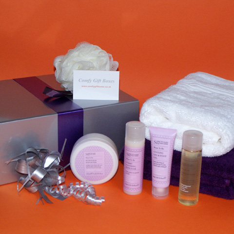 Mum to be pamper gifts UK, Sanctuary Spa new mums pampering gifts, gift ideas for new mums, pregnancy pampering presents, gifts for pregnant friend