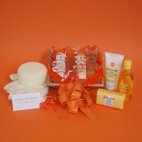 New Mums pamper gifts UK, new mum gifts, new mum pampering ideas, new baby pamper gifts