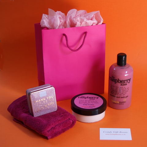 Pamper gift ideas for women, beauty pamper gifts for her, pampering at home presents for her UK delivery