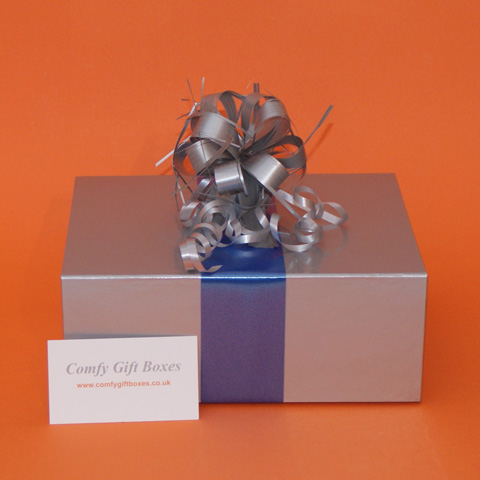 Pamper gifts for her Birthday, gifts for women delivered, Birthday gifts with shower products for girls